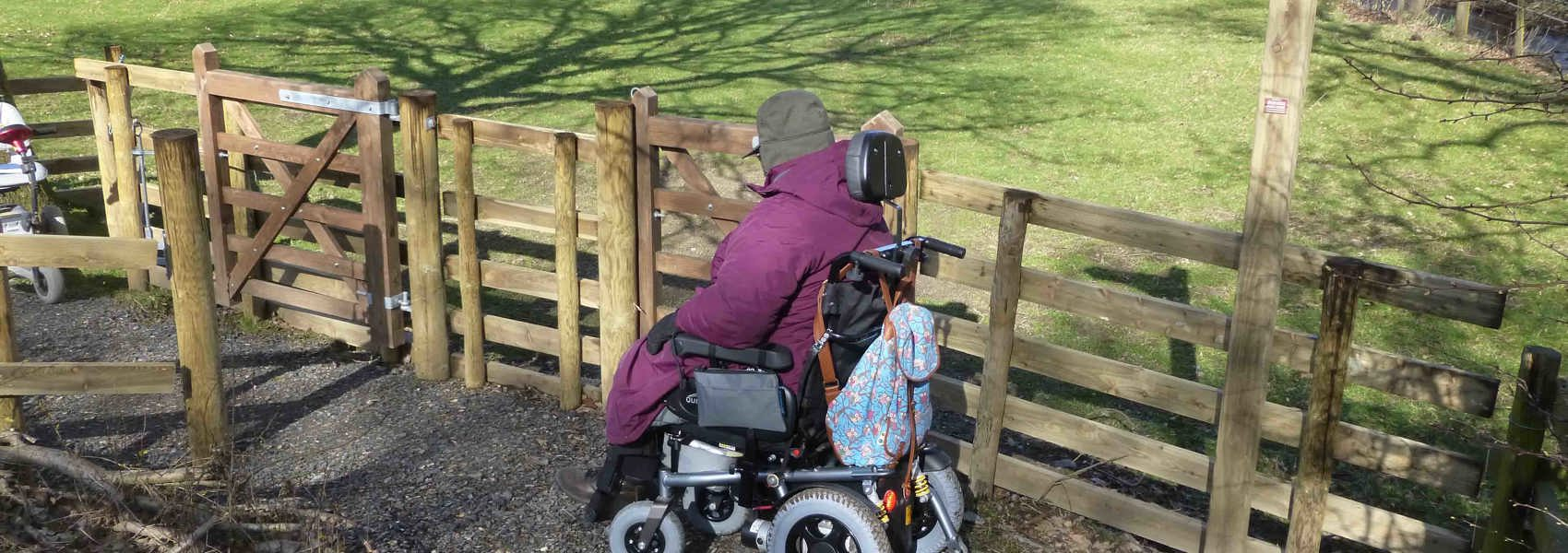 Community improves access at new Bampton path with help of a Friends grant